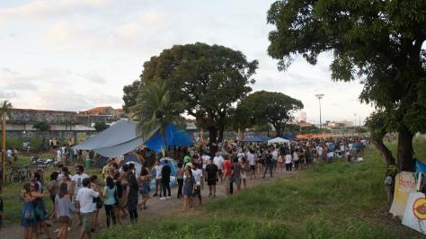 Multidão foi estimada entre 5.000 e 10.000 pessoas